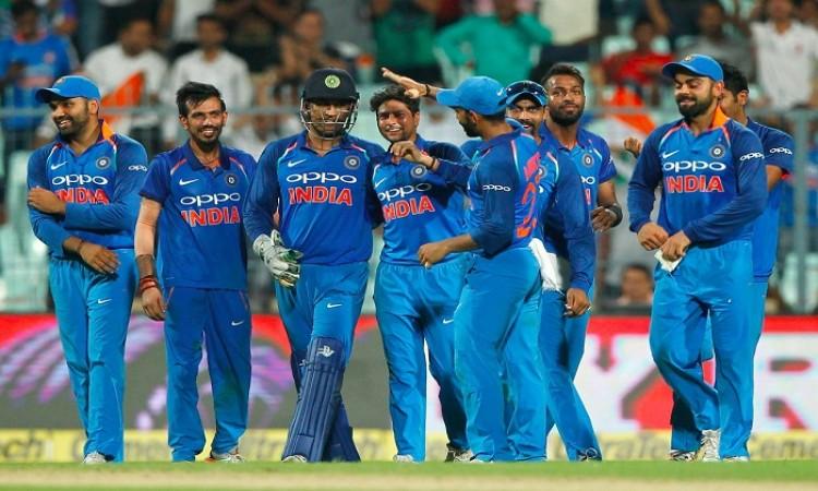 इन 5 गेंदबाजों ने टीम इंडिया के लिए इंटरनेशनल क्रिकेट मे चटकाई है हैट्रिक Images
