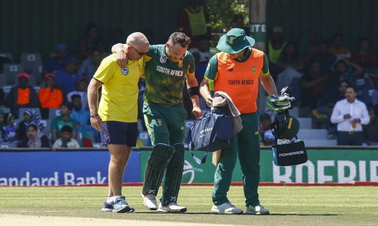 Faf du Plessis suffers acute lower-back strain during match against Bangladesh