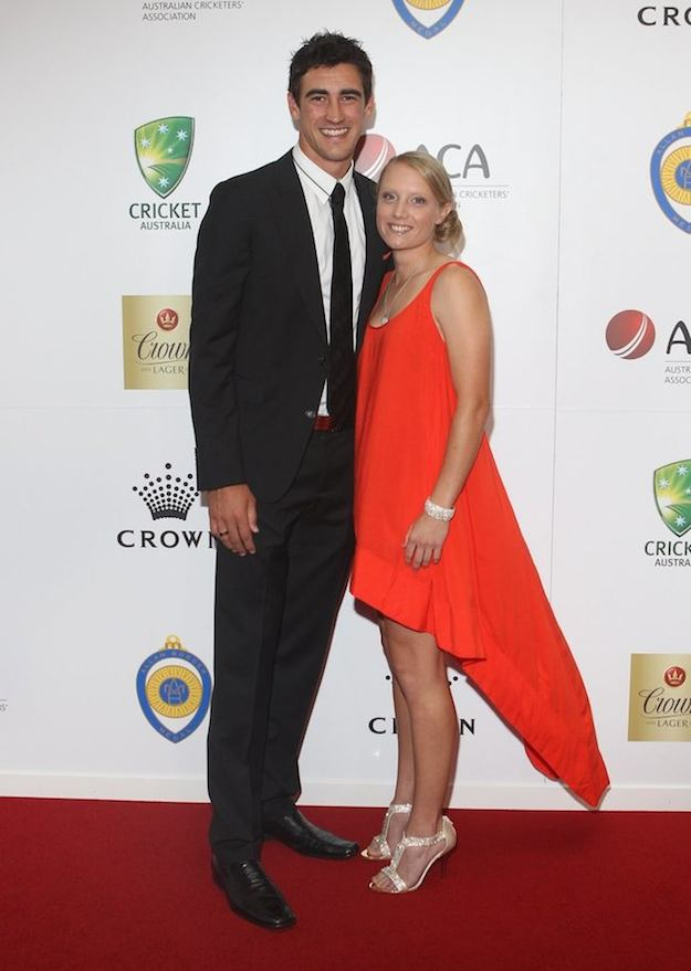 Mitchell Starc Alyssa Healy Images in Hindi