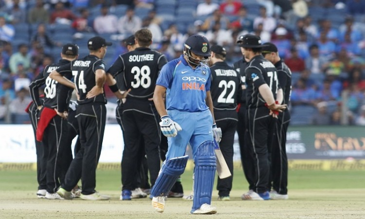 Tim Southee dismiss Rohit Sharma 5th time in ODI