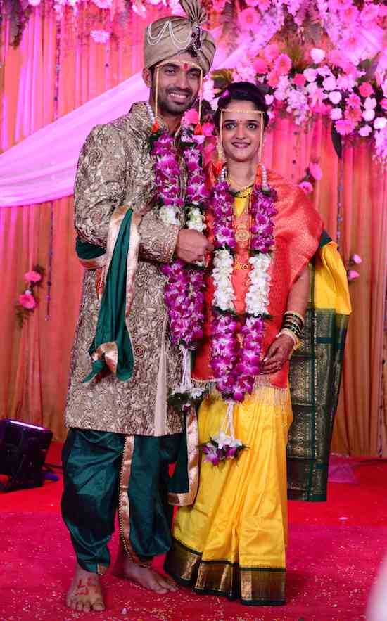 Ajinkya Rahane With His Wife Images in Hindi