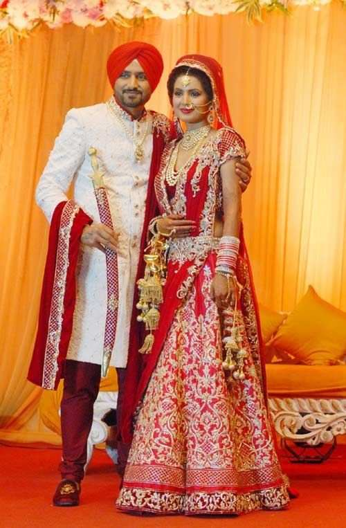 Harbhajan Singh With His Wife Images