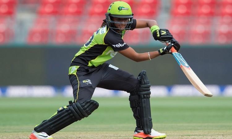 Harmanpreet Kaur extends stint with Sydney Thunder