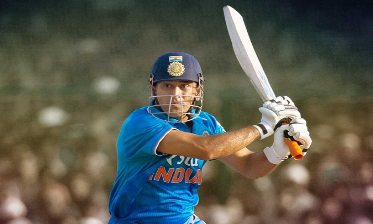 17 runs needed for MS Dhoni to complete 16,000 runs across format