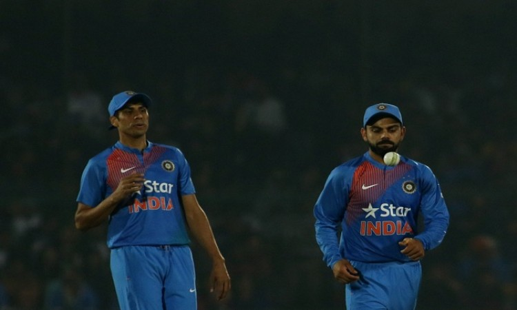 Kapil Dev wishes Ashish Nehra ahead of farewell match