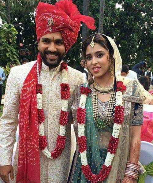 Rohit Sharma With His Wife Images in Hindi