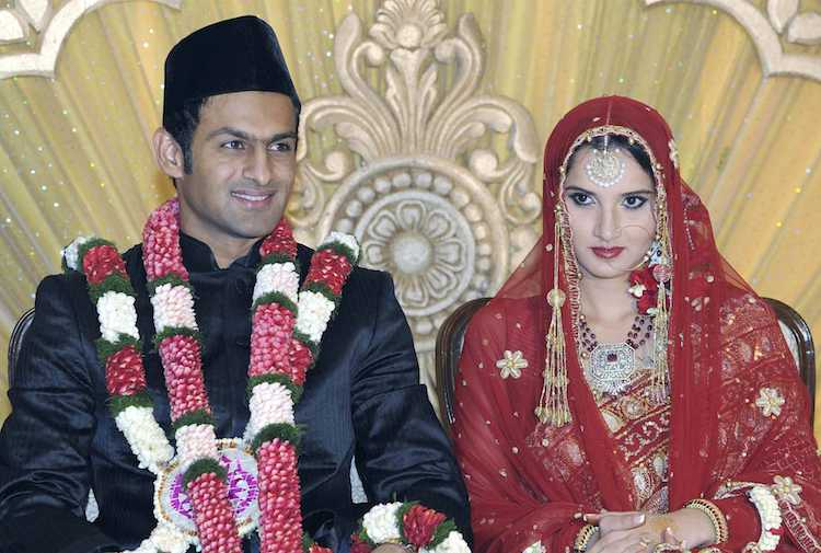 Shoaib Malik With His Wife Sania Mirza Images