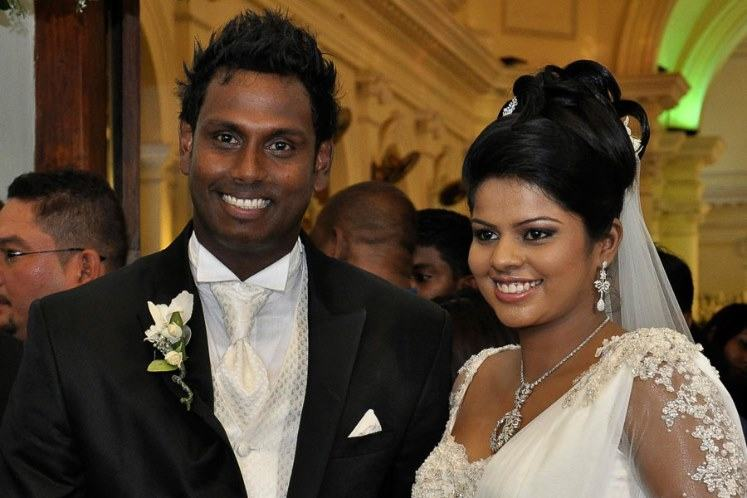 Sri Lankan Cricketer Angelo Mathews With His Wife Images