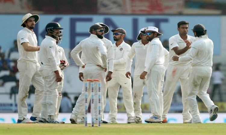 Team India bundle out Sri Lanka for 205 in second Test