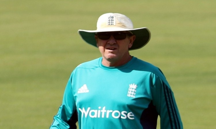 Coach Trevor Bayliss worried about England batting