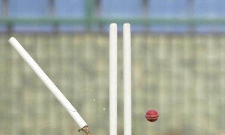 क्रिकेट के मैदान पर दिखा हैरत भरा नजारा, महज 2 रन पर ऑलआउट हो गई यह टीम