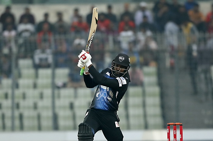 Chris Gayle hits record 18 sixes in Bangladesh Premier League final