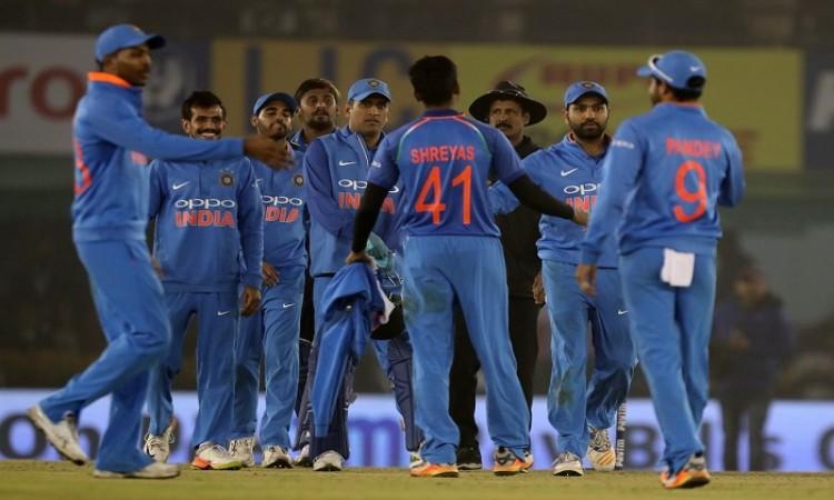 India beat Sri Lanka by 141 runs to square ODI series