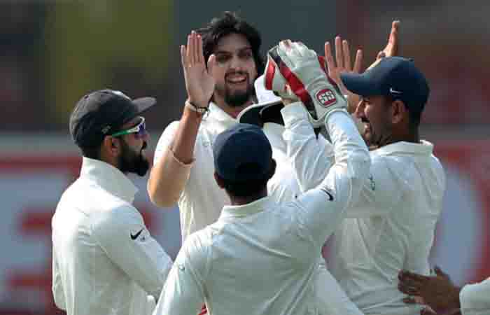 Delhi Test: India reach 51/2 after bowling out SL for 373 at lunch on Day 4 Images
