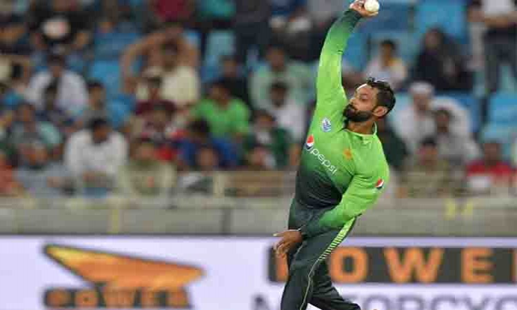 Pakistan's Mohammed Hafeez will re-work on bowling action in England Images