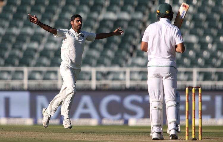 Bhuvneshwar Kumar Vs South Africa Images in Hindi