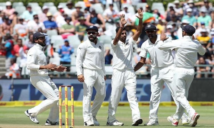 1st Test: South Africa struggle at 230/7 vs India at tea on Day 1