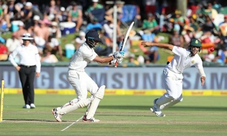 चेतेश्वर पुजारा का संघर्ष जारी, लंच तक भारत के 4 विकेट आउट