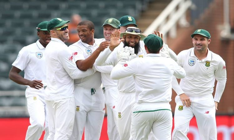 Disciplined S.Africa bundle out India for 187 on Day 1 Images