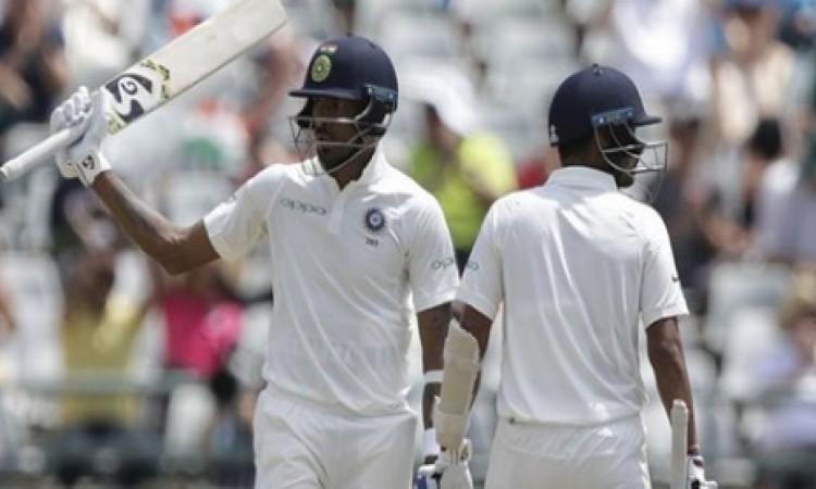 हार्दिक पांड्या की धमाकेदार पारी से संभला भारत, पहली पारी 209 रनों पर सिमटी