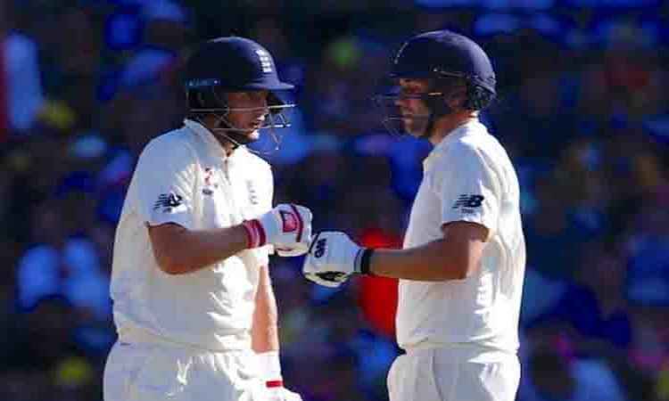 Ashes: Joe Root, Dawid Malan take England to 233/5 on Day 1 Images