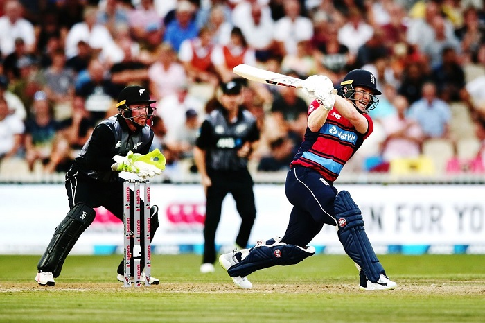 Eoin Morgan 80* powers England to 194