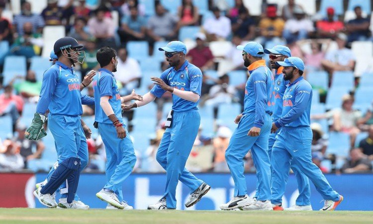 2nd ODI - India thrash South Africa by 9 wickets Images