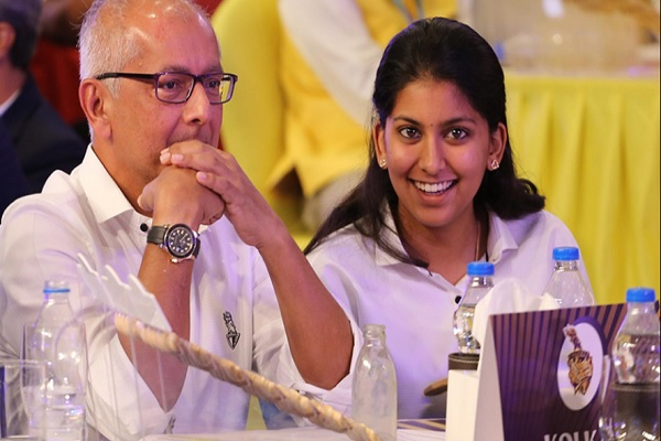Juhi Chawla's Daughter Jhanvi With Father Jay Mehta At During IPL Auction 2018 Images