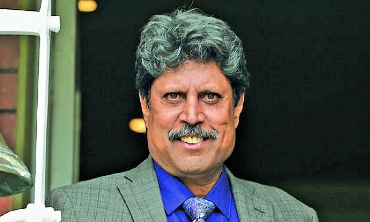 Kapil Dev urges media to show stories of soldiers Images
