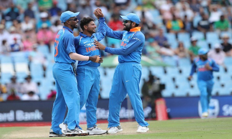 2nd ODI: India restrict Proteas to low total Images