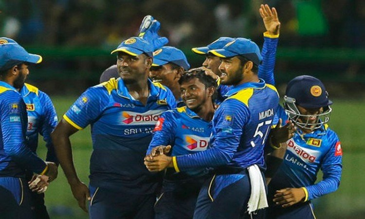 Kusal Perera to miss Bangladesh T20Is with side strain