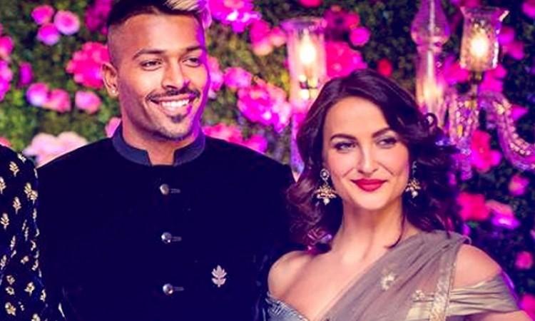 Elli Avram FINALLY breaks her silence on dating Hardik Pandya
