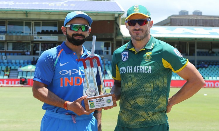 1st ODI: South Africa opt to bat against India Images