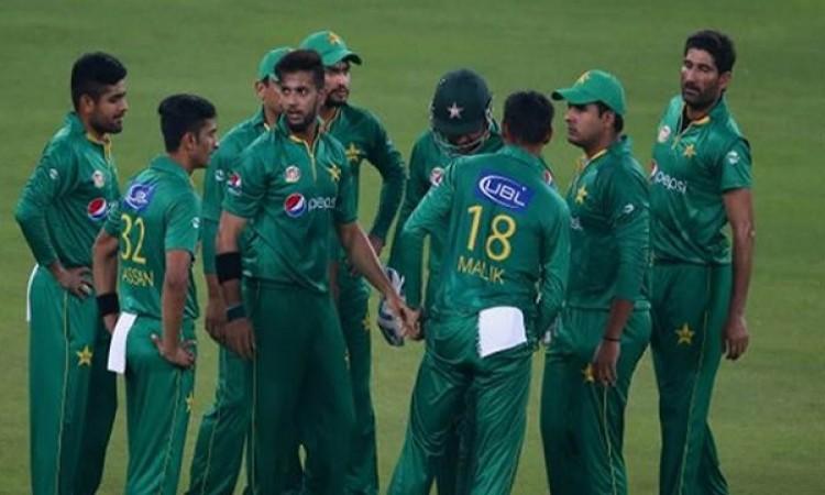 वेस्टइंडीज बनाम पाकिस्तान