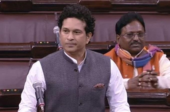 Sachin Tendulkar urges Transport Minister Nitin Gadkari