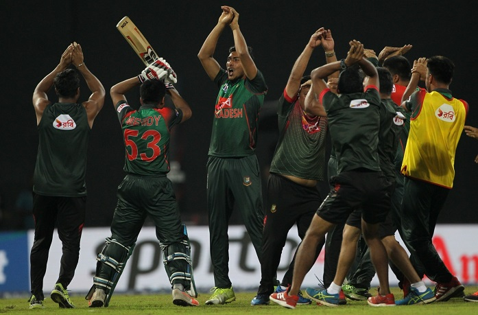 Bangladesh beat sri lanka by 2 wickets