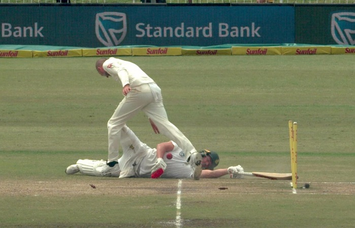 Nathon Lyon charged for AB de Villiers run-out incident