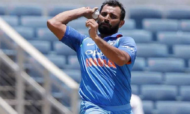 Cricketer Mohammed Shami injured in road accident Images