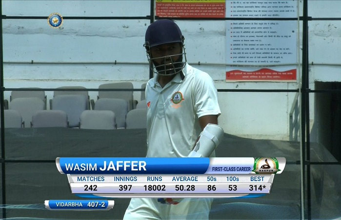 wasim jaffer complete 18000 runs in first class cricket