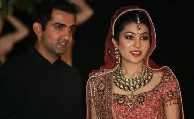 DD Captain Gautam Gambhir With His Wife Natasha Jain Images in Hindi