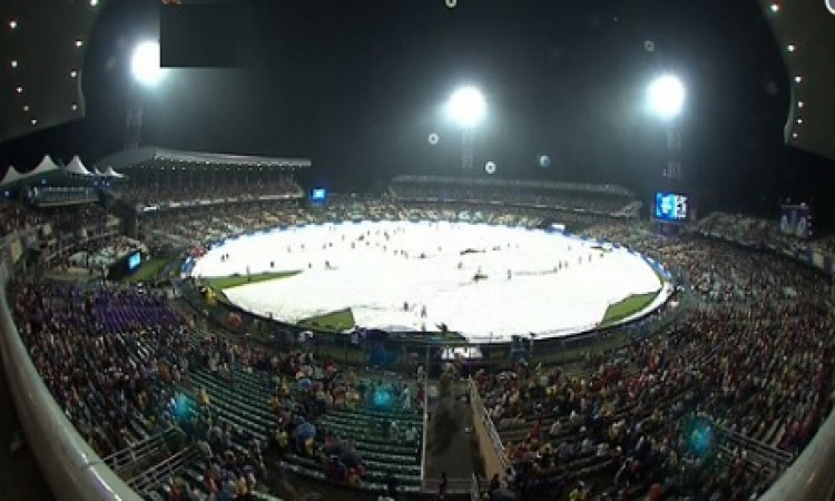 UPDATE बारिश के कारण मैच बाधित, जानिए कब शुरू हो रहा है मैच