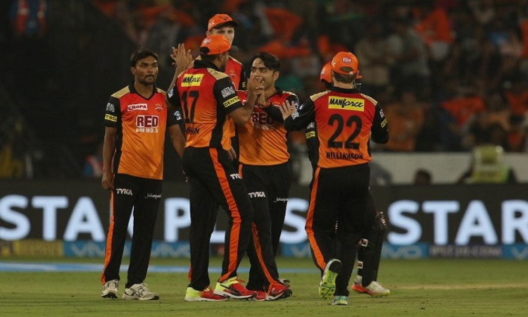 Sunrisers Hyderabad beat Mumbai Indians by 1 wicket