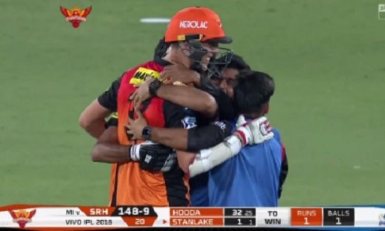 बिलि स्टानलेक ने हरा दिया मुंबई इंडियंस को , एक विकेट से रोमांचक जीत मिली सनराइजर्स हैदराबाद को