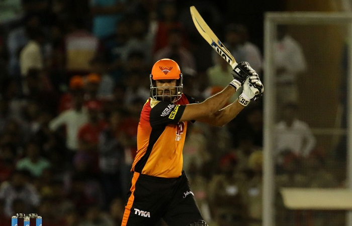 Yusuf pathan need 1 run to complete 3000 runs in ipl