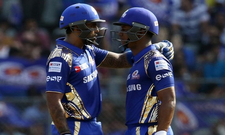 Mumbai Indians off to blazing start vs Delhi