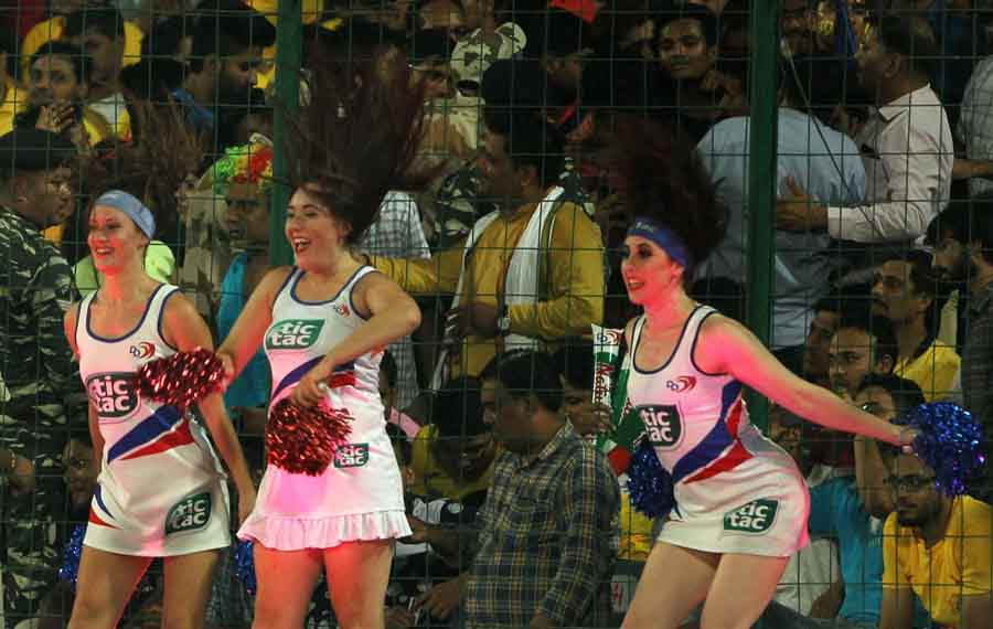 Cheer Leaders Perform During An IPL 2018 Match Between Chennai Super Kings And Delhi Daredevils At F in Hindi