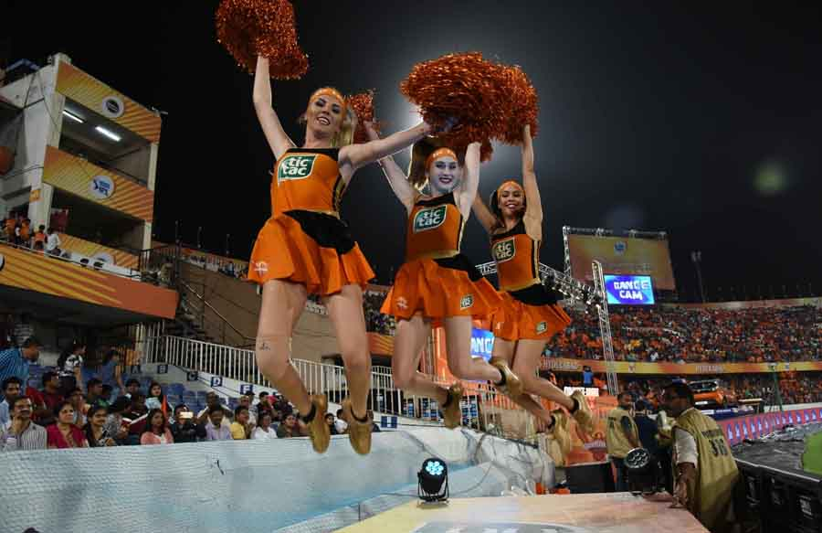 Cheer Leaders Perform During An IPL 2018 Match Between Sunrisers Hyderabad And Kolkata Knight Riders in Hindi