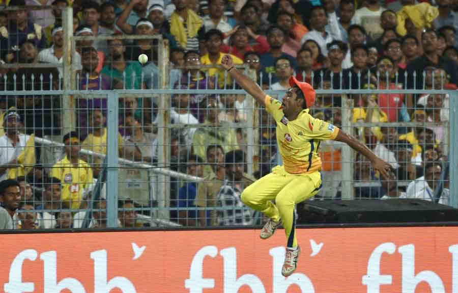 Chennai Super Kings Ambati Rayudu Jumps To Catch The Ball During An IPL 2018 Match Images in Hindi