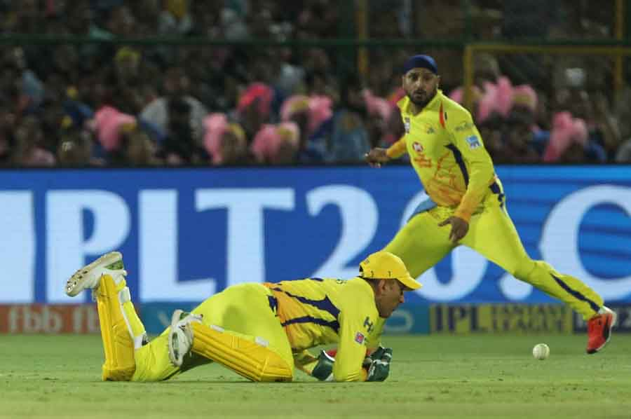 Chennai Super Kings MS Dhoni In Action During An IPL Match 2018 Images in Hindi