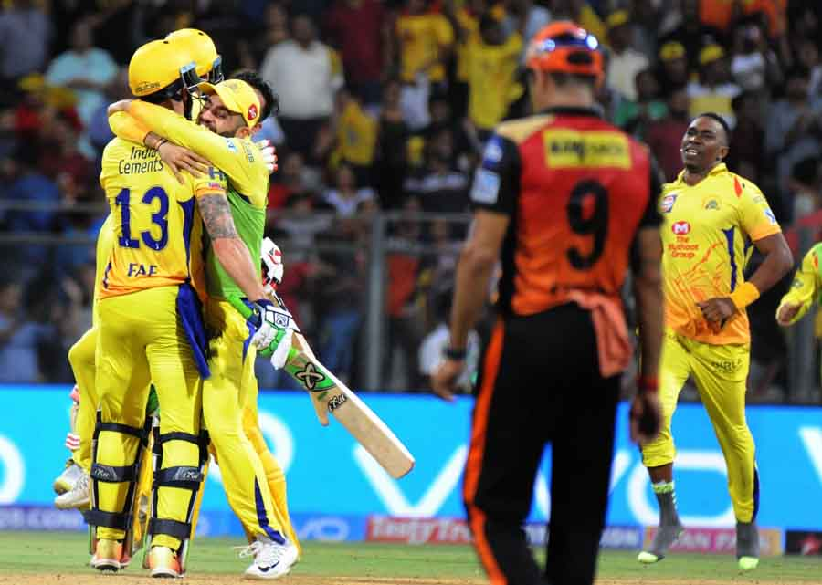 Chennai Super Kings Celebrate After Winning The First Qualifier Match Of IPL 2018 Match Images in Hindi